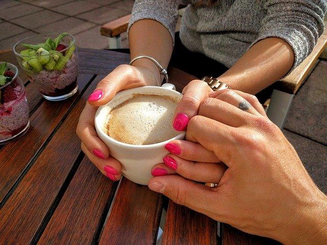 Schůzka v kavárně